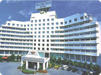 Welcome-Plaza-Hotel-w.jpg